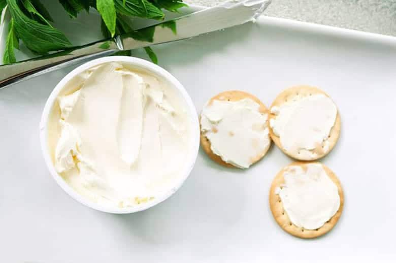 how-to-tell-if-cream-cheese-has-gone-bad