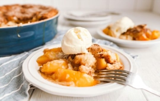 can you eat leftover peach cobbler