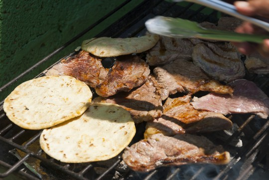 how to heat flour tortillas on the grill