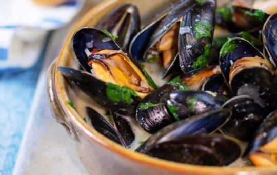 how to store leftover and cooked mussels