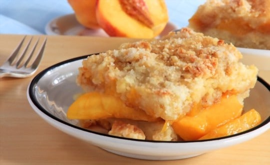 how to store leftover peach cobbler