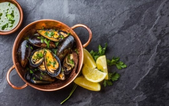 how to tell if leftover and cooked mussels are bad