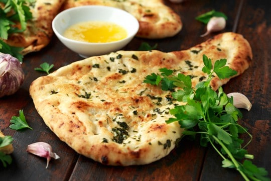 How to Reheat Naan Bread - The Best Ways