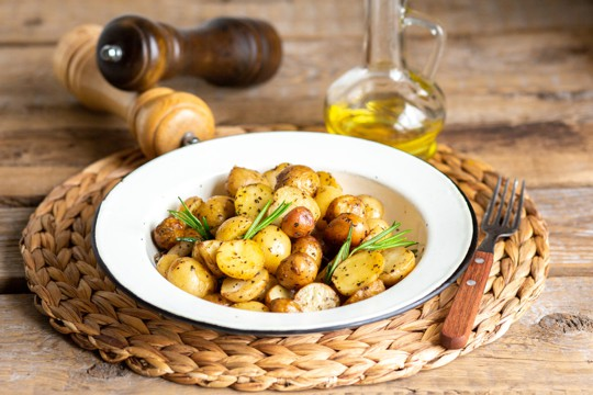 roasted garlic and olive oil potatoes