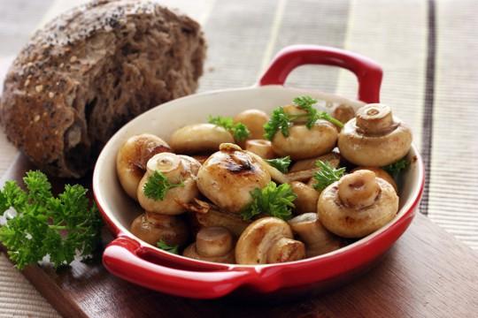sauted mushrooms in garlic butter