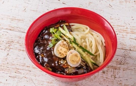 is jajangmyeon sweet or salty or spicy