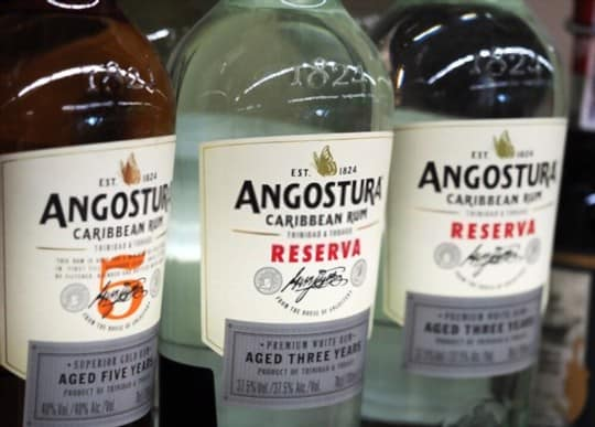 what does angostura bitters taste tike