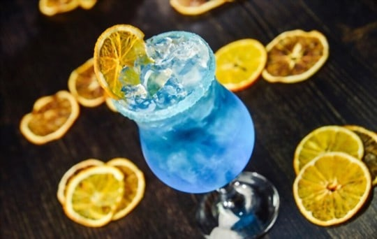 what does blue curacao taste like