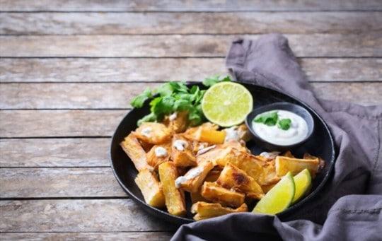 what does fried yuca taste like