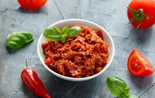what does red pesto taste like