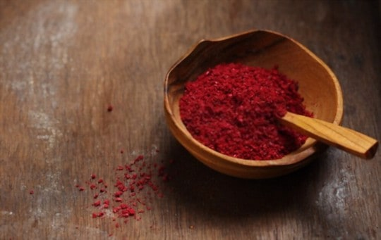 what the difference between ground sumac powder and whole sumac