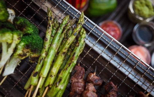 grilled asparagus with pecans and sherry vinegar glaze