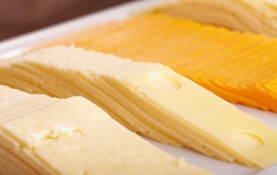 how to tell if american cheese is spoiled