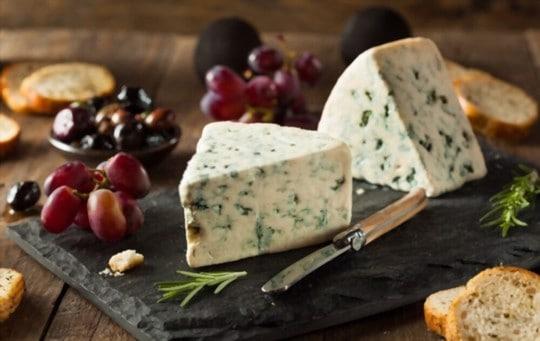 potential risks of freezing gorgonzola cheese