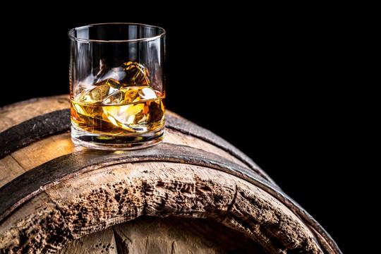what does bourbon whiskey taste like
