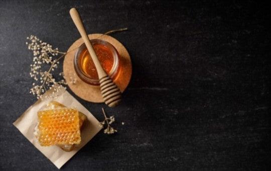what does honey taste like