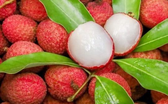 what does lychee taste like
