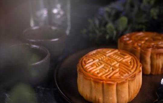 what does mooncake taste like