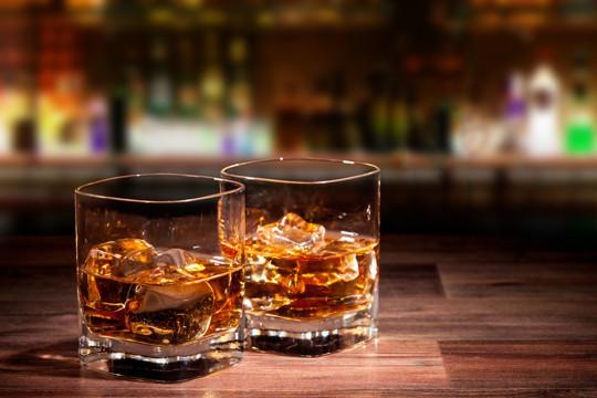 what does rye whiskey taste like