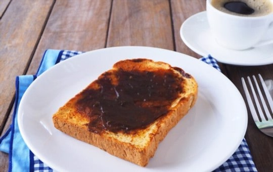 why do people love or hate marmite so much