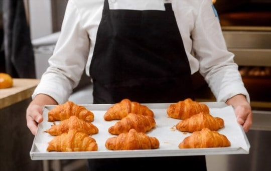 how to thaw and reheat frozen croissants